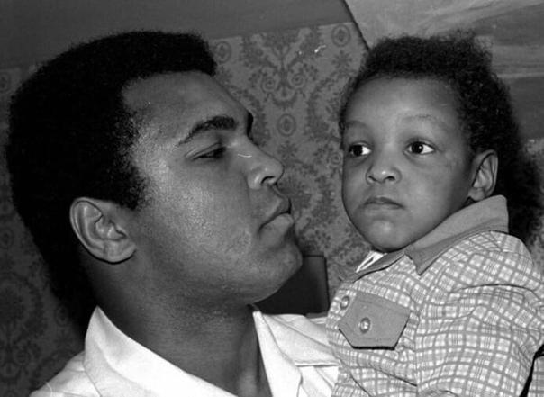 Мухаммед Али-младший, сын знаменитого боксера Мухаммеда Али, в своем часовом интервью рассказал The New Yor Post, что его отец не поддержал бы движение Blac Lives Matter, назвав его «расистским»