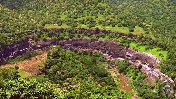 Индийские пещеры Аджанты, их загадки и проклятия.