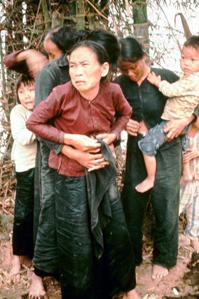16 марта 1968 года американские солдаты совершили военное преступление, устроив массовую резню во вьетнамской общине Милай Жертвами их кровавого пира стали сотни мирных жителей, подавляющее