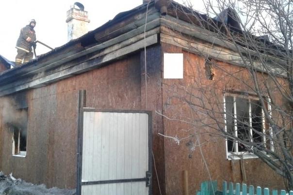 На Урале мужчина поджёг свой дом после ссоры с тещей Жена погибла, сын в реанимацииВечером 23 ноября в Волчанске Свердловской области произошел пожар в частном доме. 32-летний мужчина поссорился