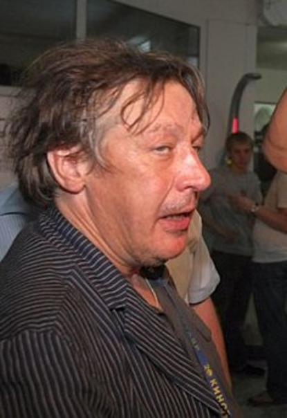 Знакомые Ефремова обвинили его в спаивании и избиении бывших жен Режиссер Валерий Сергеев заявил, что артист «истязал женщин». «Запомнившаяся история, когда он в порыве гнева запустил чашкой в