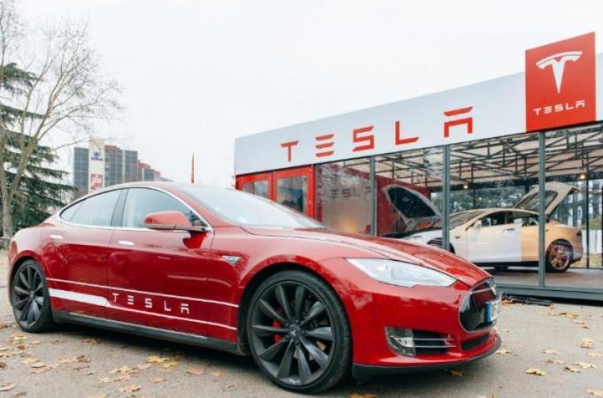 Baq.kz: Tesla-ның акциялары үш айда екі есеге өсті Tesla ак